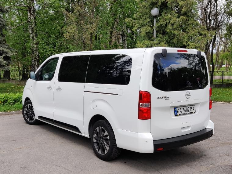 автомобиль для всей семьи Opel Zafira Life