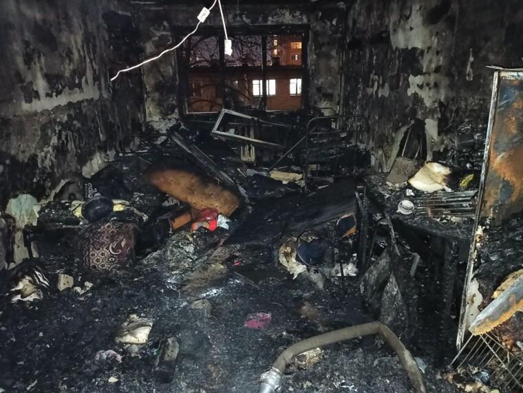 Пожар полностью потушили примерно за час