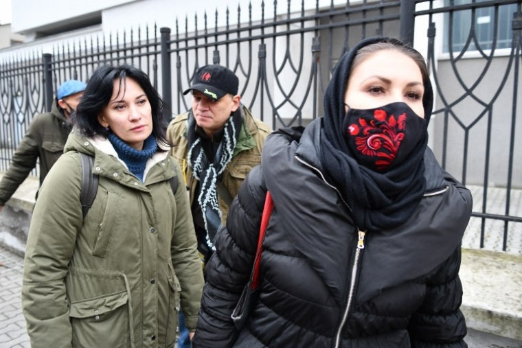 Волонтерка Маруся Звіробій та народний депутат Софія Федина