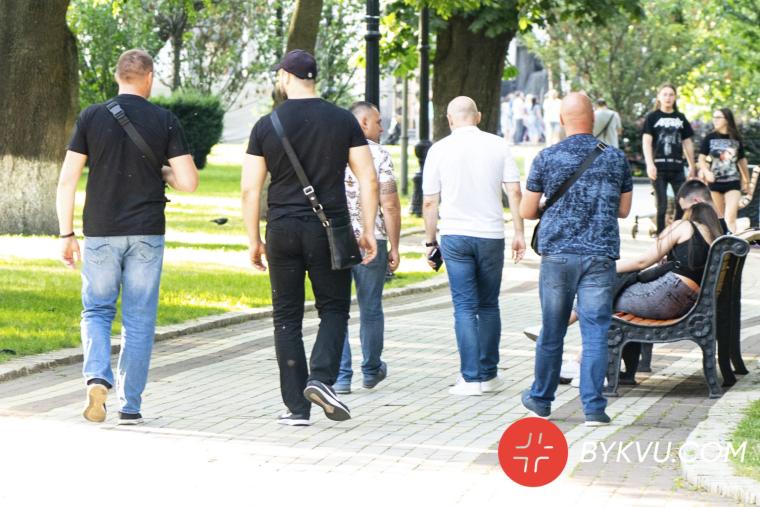 Бужанскьий і його охоронці