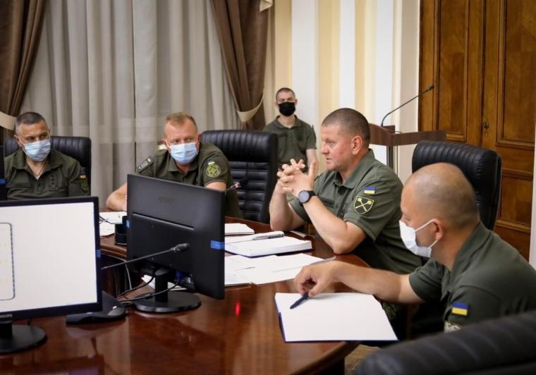 Валерій Залужний у перший день на посаді головнокомандувача ЗСУ