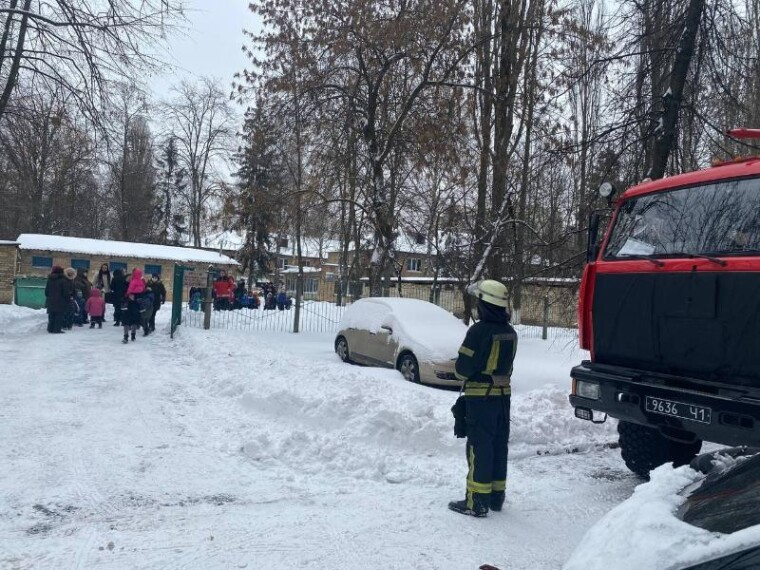 Спасатели эвакуировали 124 ребенка