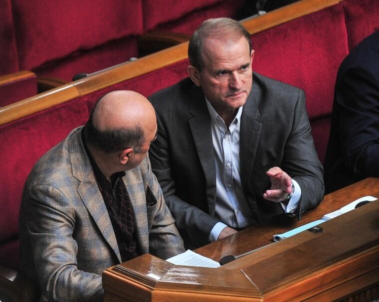 Вадим Рабінович і Віктор Медведчук в сесійній залі Верховної Ради