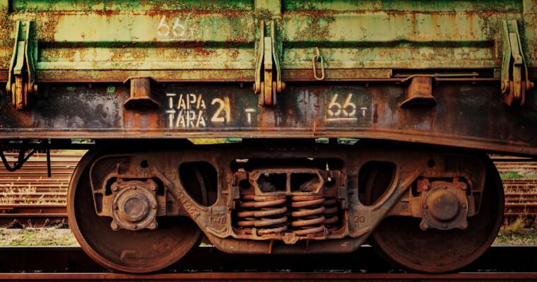 Представители бизнеса массово завозят в Украину подержанные вагоны из России, Беларуси и Казахстана, где срок их эксплуатации жестко ограничен 30-ю годами