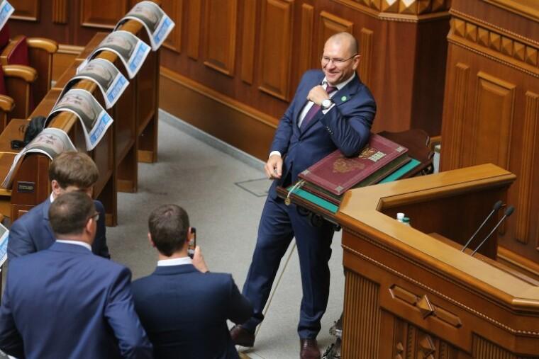 Евгений Шевченко облокотился на Конституцию Украины