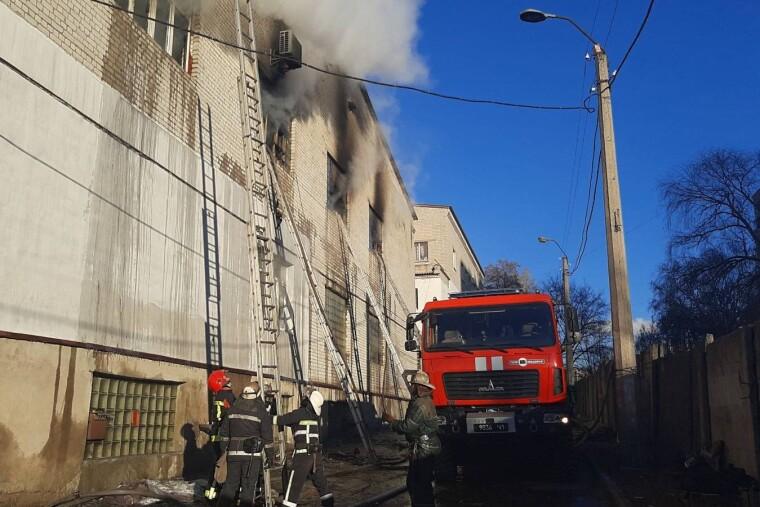 Площадь горения составила 250 кв. м
