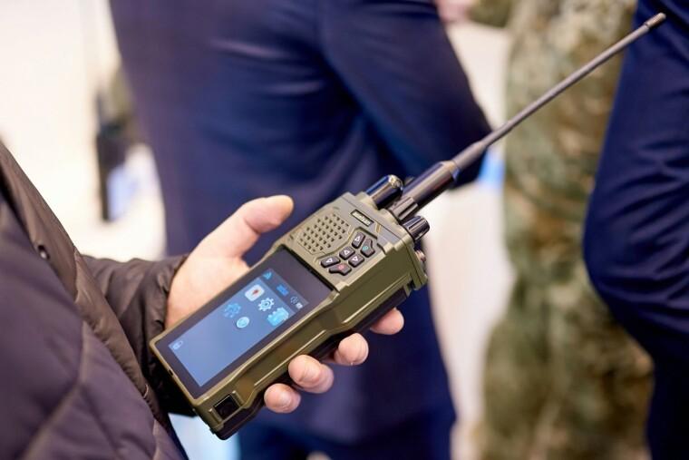 Засіб радіозв'язку Aselsan/defence-ua.com