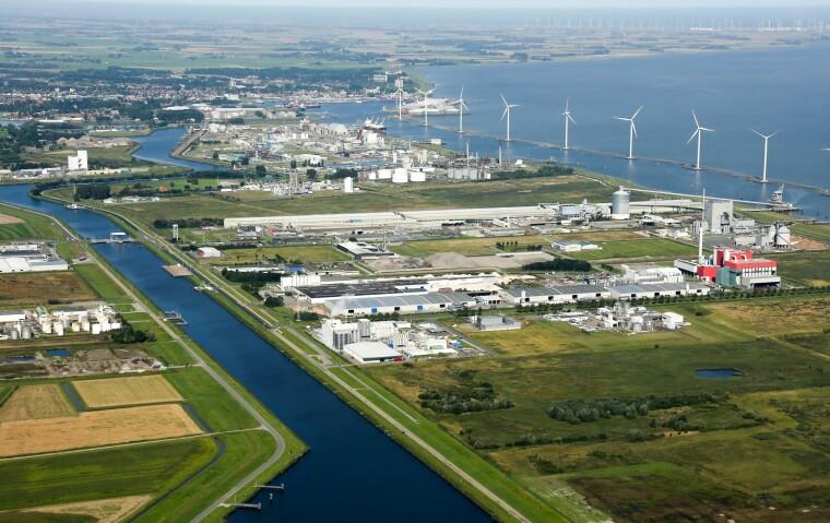 Північне море, що розташоване набагато вище північного узбережжя Нідерландів є відмінним місцем для вітряних турбін і навіть вважається одним з кращих місць для їх використання в світі/north2.eu