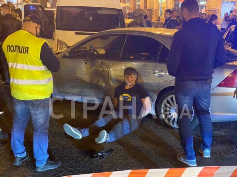 Один из задержанных в результате спецоперации бойцов КОРД и полиции Киева