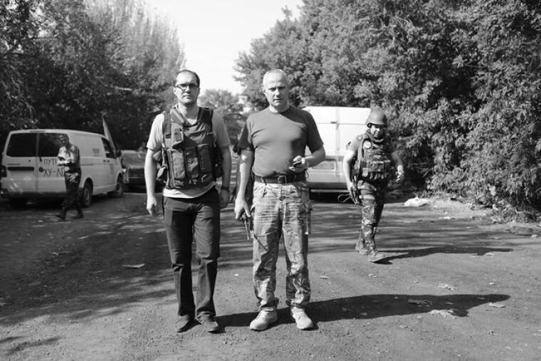 Юрий Бутусов и Руслан Хомчак под Иловайском 22 августа 2014 года / Дмитрий Муравский/Цензор.нет