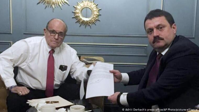 Личный адвокат Трампа Рудольф Джулиани на встрече с Андреем Деркачем в Киеве, апрель 2019