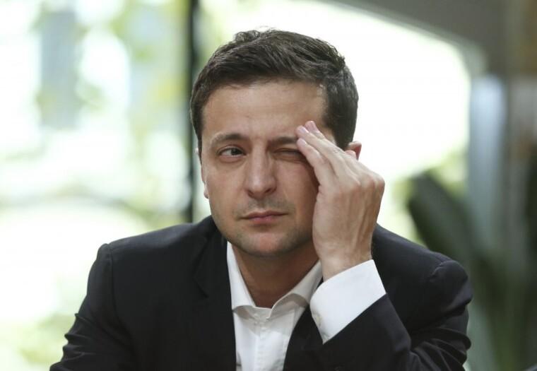 Володимир Зеленський, незважаючи на некомпетентність у багатьох питаннях, залишається дуже потужним харизматиком / УНІАН
