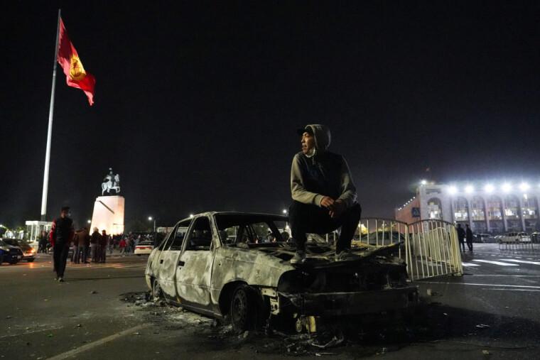Несмотря на череду революций, Кыргызстану раз за разом удается не сваливаться ни в хаос, ни под контроль одной из внешних сил