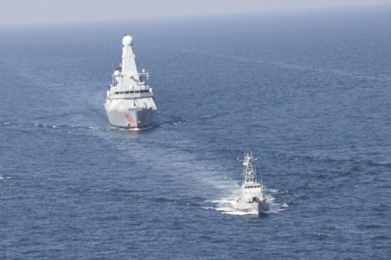 Катера ВМС Украины вместе с британским эсминцем Dragon провели совместные учения в акватории Черного моря