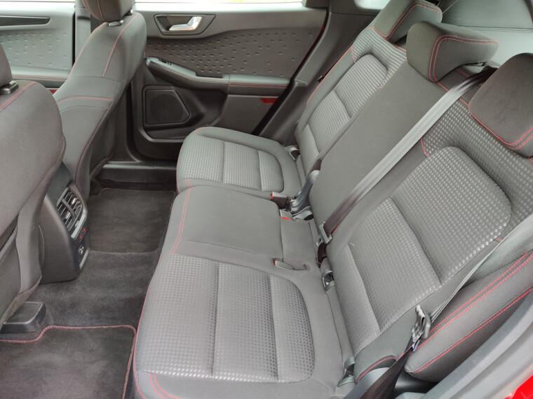 зовнішний вигляд салону ford kuga