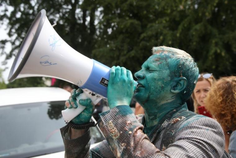 Виталий Шабунин, облитый зеленкой