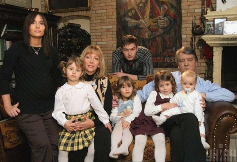 Виктор Ющенко с семьей, 2004 г.