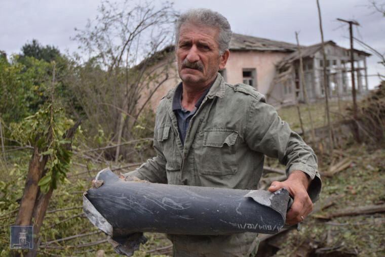 Разрушения после боев в Нагорном Карабахе, на границе Армении и Азербайджана