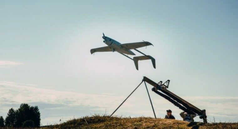 Малогабаритный радар типа SAR позволяет беспилотникм видеть сквозь облака днем и ночью