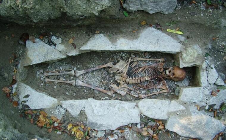 Зображення: В рамках дослідження була секвенована ДНК з останків жінки, яка була похована в Варнеме (Швеція) і отримала ім'я Ката. Фото: Музей Вестра-Гьоталанд