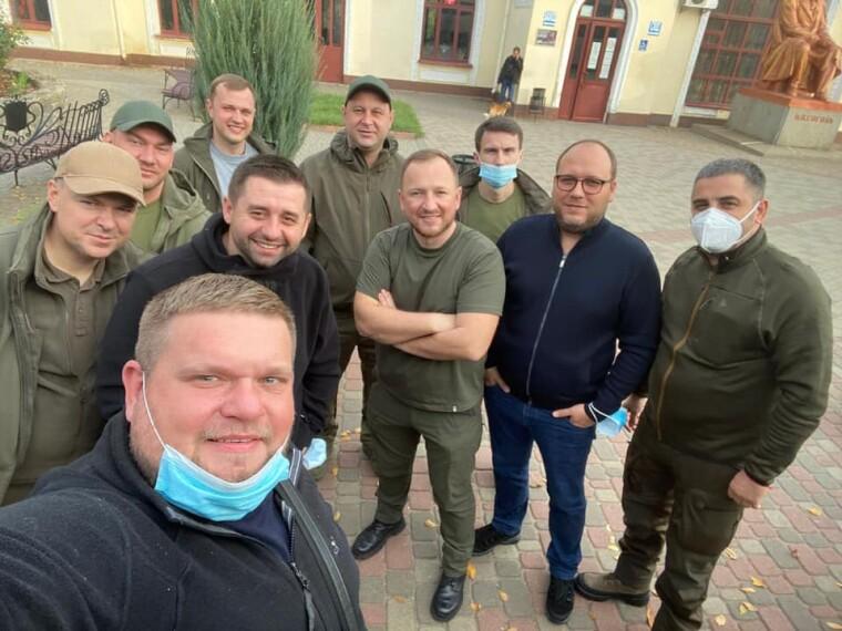 """Давид Арахамія і депутати фракції """"Слуги народу"""""""