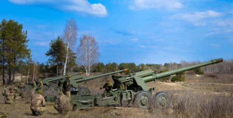 "Батарея 2А36 ""Гиацинт-Б"" / АрмияInform"