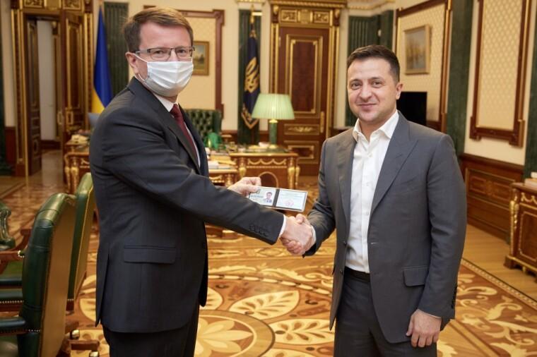 Володимир Зеленський призначив головою Закарпатської ОДА винороба Анатолія Полоскова