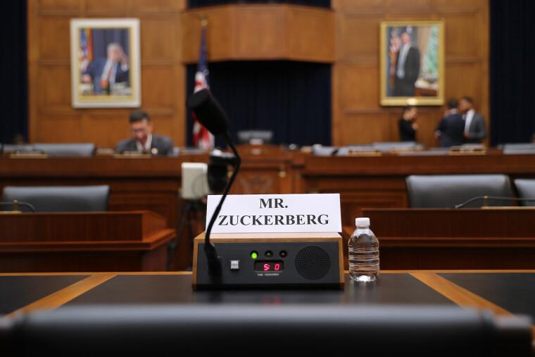 Бізнес Цукерберга всі роки правління Байдена буде піддаватися атакам з метою контролю або розділу