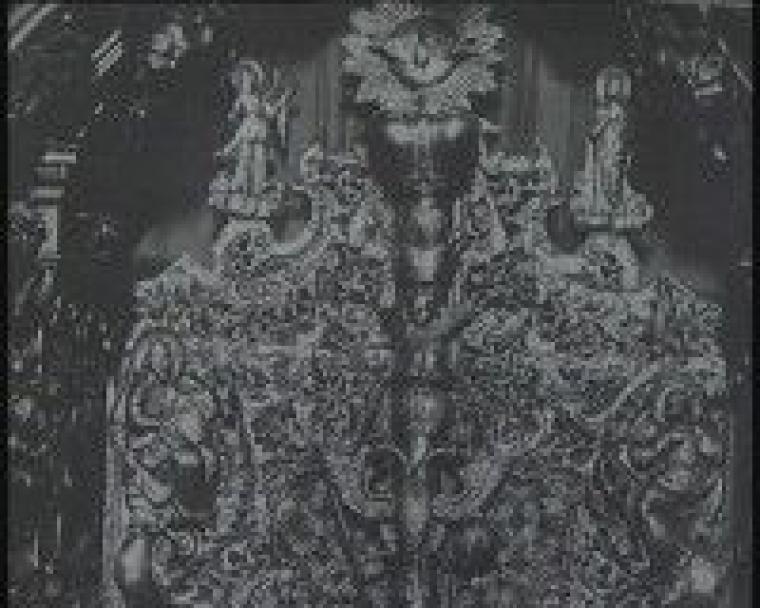 Оригинальные серебряные царские врата иконостаса собора св.Софии (Киев), уничтожены в 1920-х. Фото 1920-х гг.