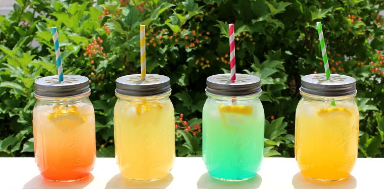 Лаймовый лимонад разного цвета