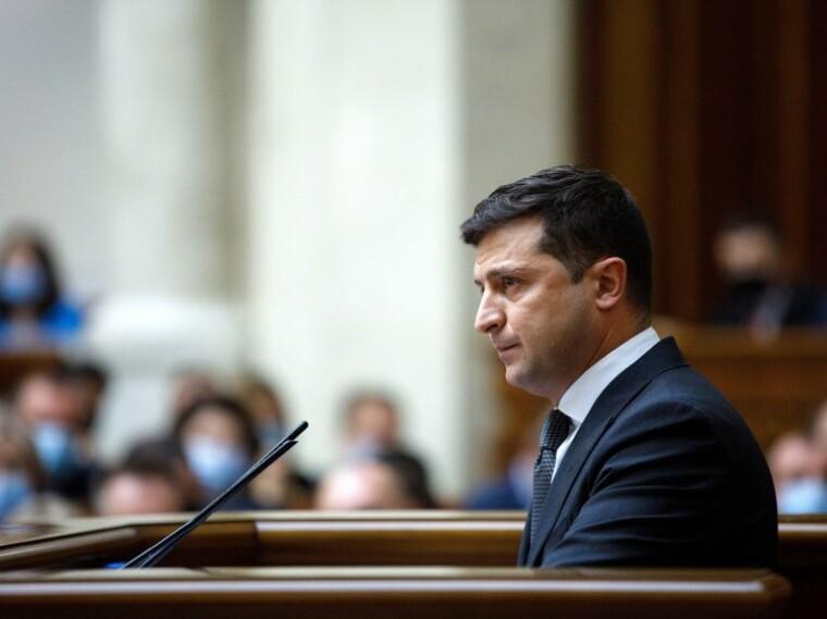 Среди кандидатов в президенты наибольшую поддержку все так же имеет Владимир Зеленский