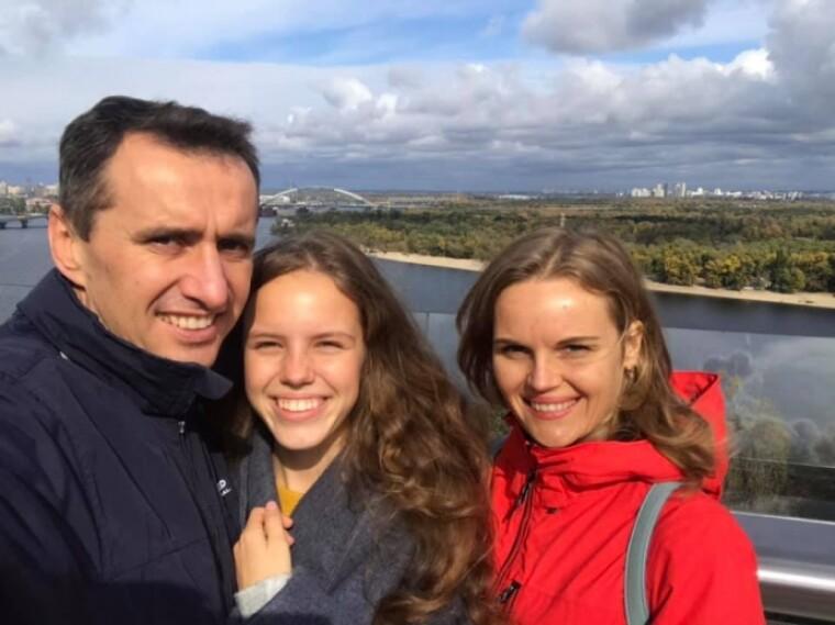 Виктор Ляшко с женой и дочерью/Facebook страница Виктора Ляшко