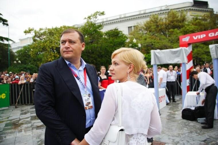 Михаил Добкин с супругой Алиной