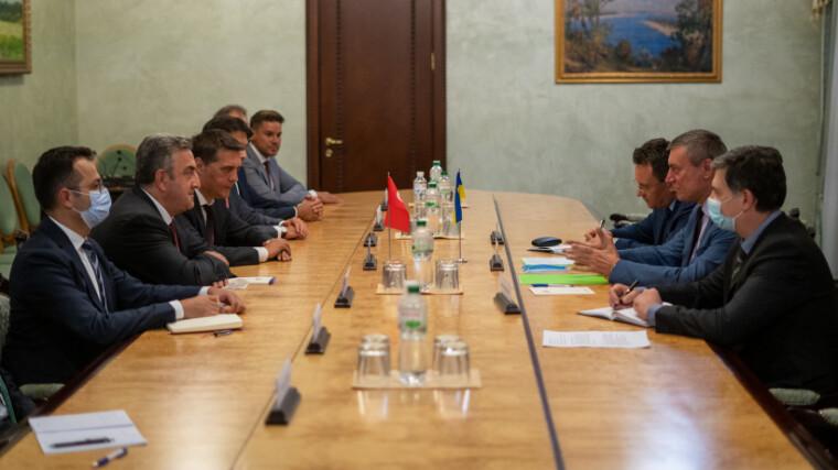Україна і Туреччина поглиблюють співробітництво в космічній галузі