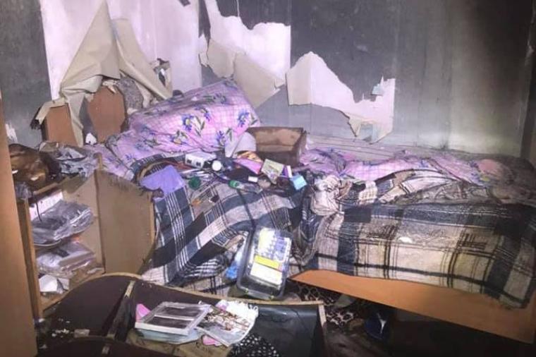 Пожежа спалахнула в одній з кімнат на четвертому поверсі