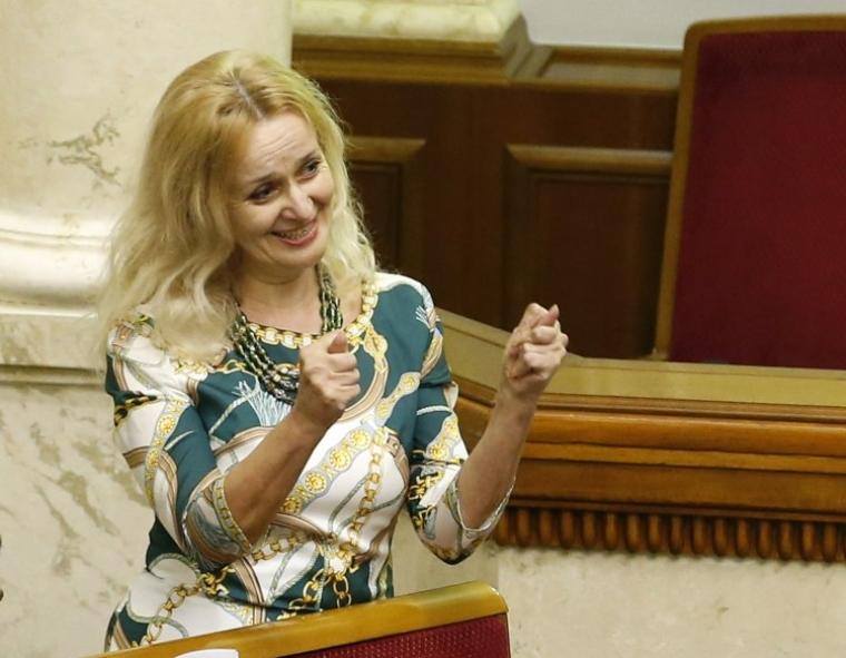 Ірина Фаріон під час засідання Верховної Ради, 2014 р.