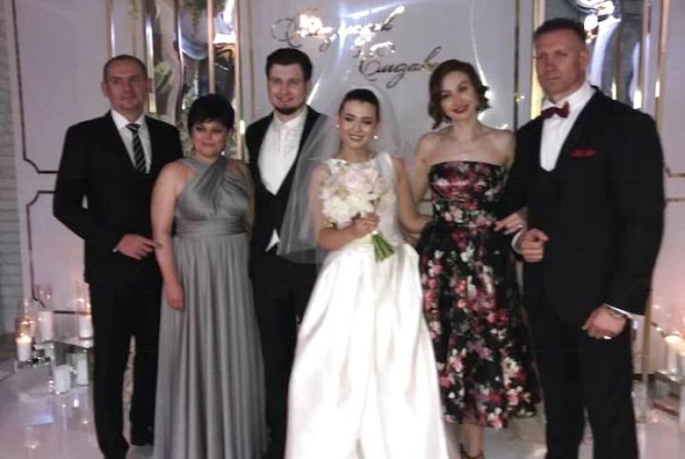 Генадій Вацак з сім'єю на весіллі сина Владислава