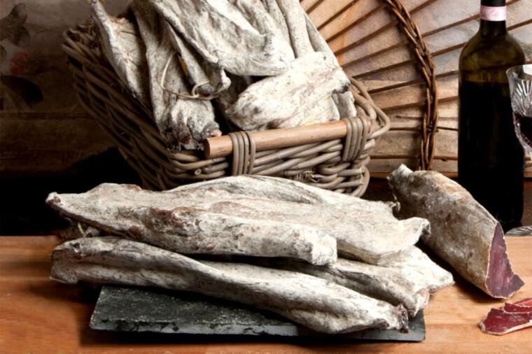Сыровяленая слинзега является одним из самых любимых и дорогих мясных деликатесов современной Италии / salumificio.it