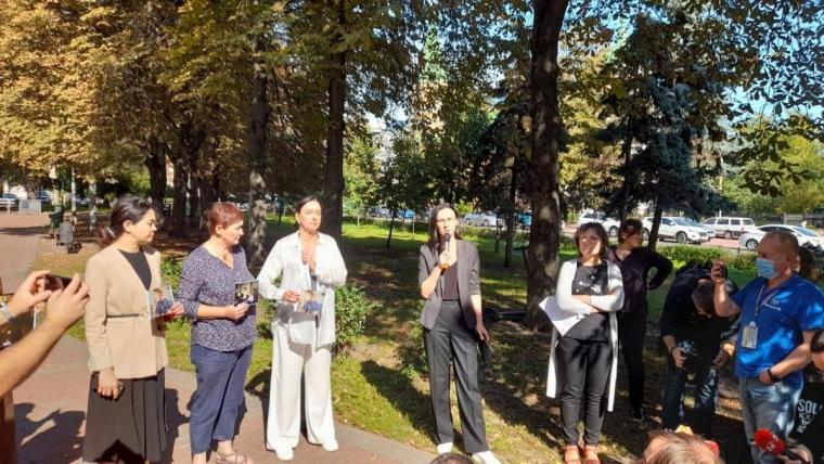 В мероприятии приняли участие коллеги и друзья убитого журналиста