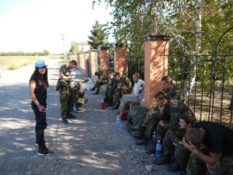 Руслана під час поїздки в Донецьку область, 2014 р
