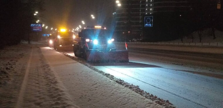 Уборка снега в Киеве/КГГА