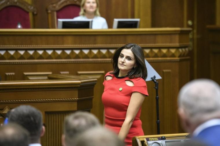 Народный депутат Ольга Василевская-Смаглюк во время заседания Верховной Рады IX созыва