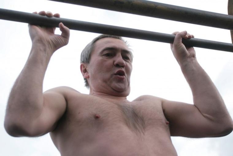 Леонид Черновецкий демонстрирует спортивную форму