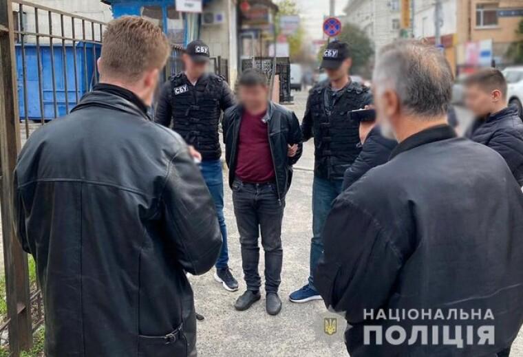 У Кропивницького поліція затримала групу осіб, які шляхом підкупу пропонували голосувати за одну з політичних партій і окремих кандидатів