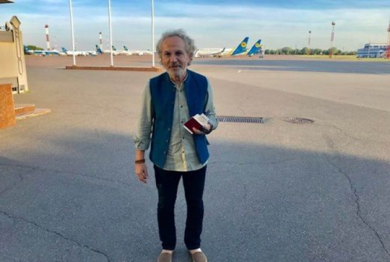 Савік Шустер в аеропорту