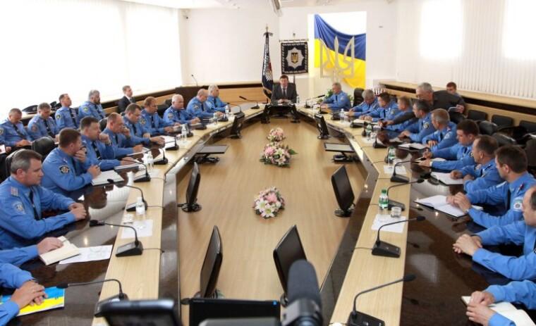 Глава МВД Юрий Луценко проводит совещание с руководителями региональных подразделов органов внутренних дел, 2009 г.