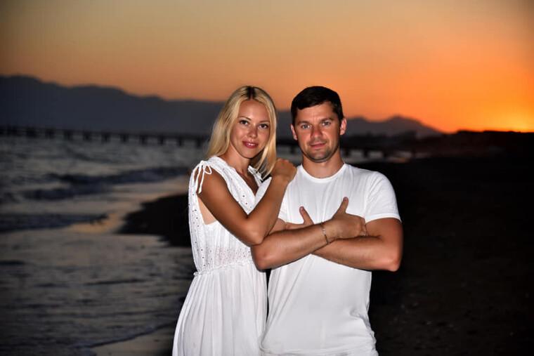 Василий Мокан с женой / личная страница facebook.com/MokanV