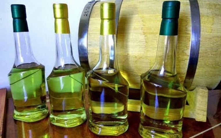 фото бутылок с зубровкой