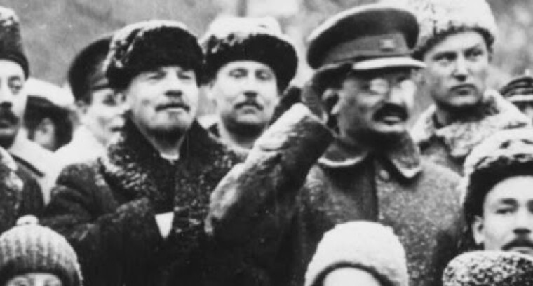 Володимир Ленін та Лев Троцький