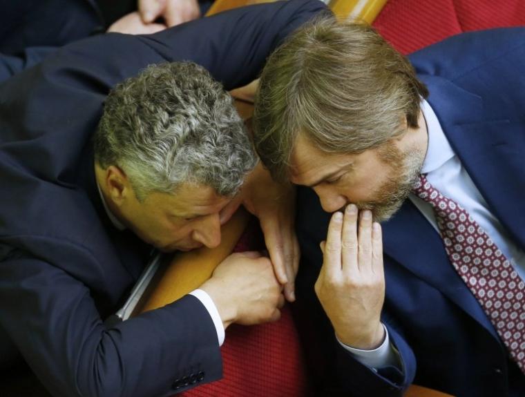 Юрий Бойко и Вадим Новинский во время заседания Верховной Рады